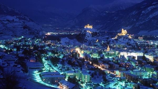 Par_261_Sion_nuit_hiver_deJPG-1.jpg