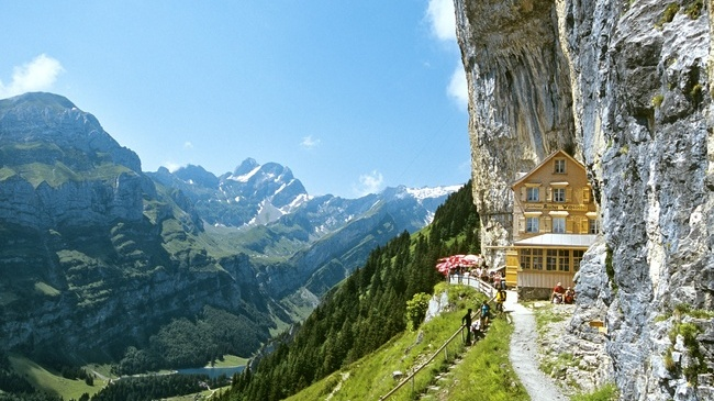 Consulter le sujet encyclopediae valaryan simpolitique jeu de simulatio - Hotel de montagne suisse ...