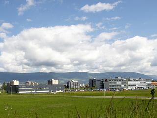 Le parc technologique Y-Parc, situé à Yverdon-les-Bains, est actuellement le plus grand en Suisse avec 50 hectares et plus de 100 sociétés actives dans les secteurs des hautes technologies