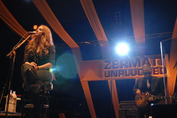 Alanis Morissette am Zermatt Unplugged 2008