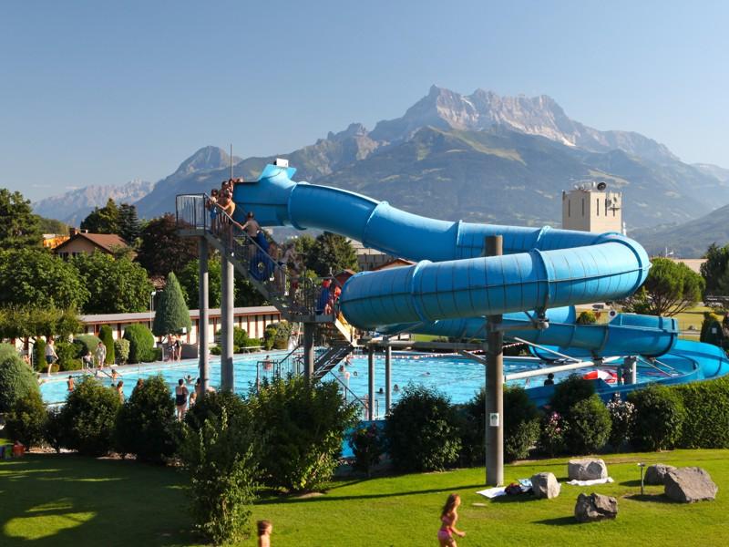 Aigle tourist office swimming pool for Piscine amazone