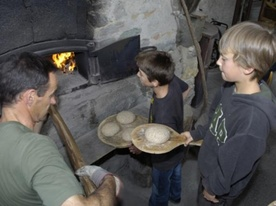 Culinary activity traditional oven and the Oreiller Forge in Verbier