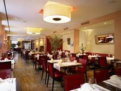 BOLERO Restaurant & Lounge 
