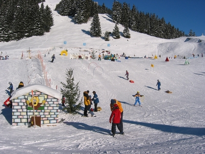 Children's snow park Yeti Park in Engelberg - Brunni