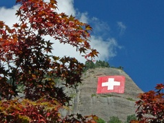 Schweizer Fahne über Vitznau