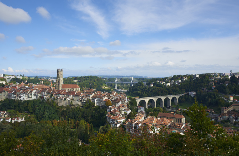 Fribourg crossing the bridges!