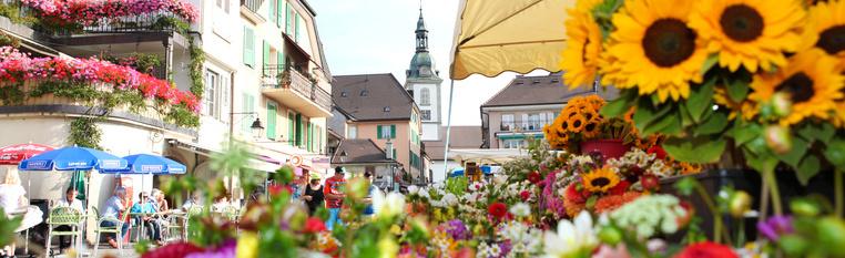 Folkloristischer Markt