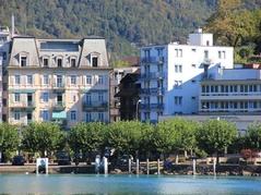 Hotel Schmid links mit Ferienwohnungen