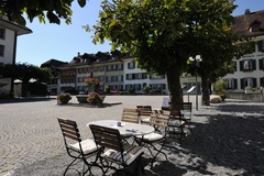 Unterseen - Stadthausplatz