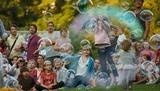 Des bulles géantes dans la cour du château!