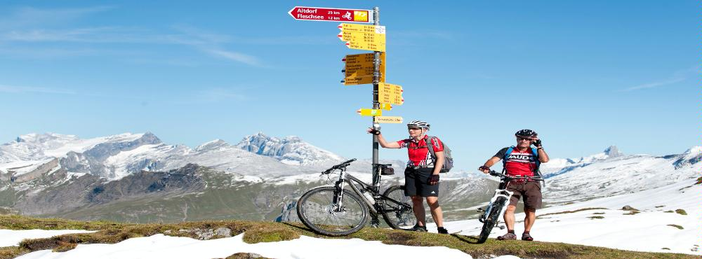 Biker auf der Passhöhe © A. Sanchez