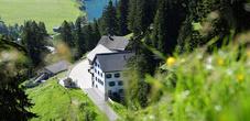Das  Berggasthaus Sücka oberhalb von Steg