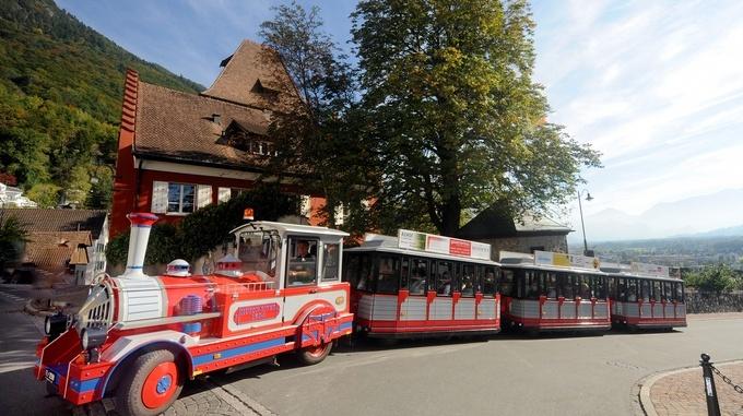 Экскурсии по Вадуцу - туристический поезд Citytrain. Вадуц, Лихтенштейн - достопримечательности, путеводитель по городу, фотографии