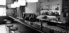 Zwei Bar