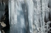 Frozen waterfall in Täsch