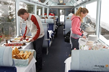The panoramic car on the Glacier Express provides the highest levels of comfort and viewing pleasure.