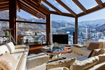 All the wishes of the guests are fulfilled in chalets such as the Peak Chalet Zermatt