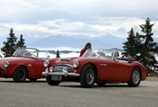 Old-timers passing through the Alps – a nostalgic feast for the eyes