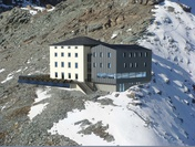 Photomontage new Hörnli Hut