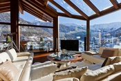 "The chalet Zermatt Peak received the top award in the category ""Ultra-Luxury Holiday Apartments""."