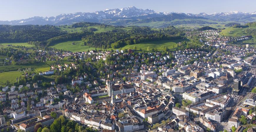 St.Gallen, Kathedrale und Blick auf Säntis