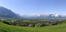 Blick vom Historischen Höhenweg auf Liechtenstein