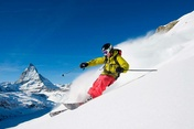 Freeriding on the Rothorn – with views of the Matterhorn. © Fredrik Schenholm