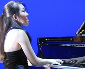 Am 1. September tritt der Piano-Star Mlodie Zhao in Zermatt auf.  Rudra Bjart